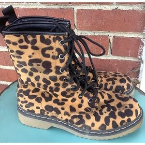 Yoki Women's Topic Leopard Lace-up Combat Boots 7